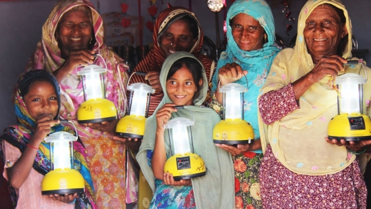 "Pakistani Future Energy Leader gets Forbes award for ""lighting a million lives"""